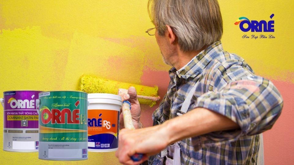 xử lý tường cũ trước khi sơn